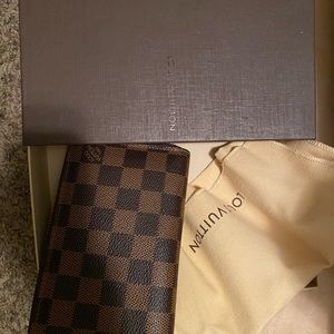 Louis Vuitton zippy wallet Damier Ebene